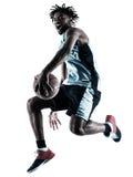 Тень силуэта баскетболиста изолированная человеком Стоковая Фотография