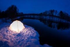 Теплая вмещаемость в холодной зиме Стоковые Изображения RF