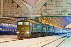 тепловозный пассажирский поезд Стоковые Изображения RF