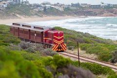 Тепловозный поезд 507 заменяя поезд куколя между Goolwa a Стоковые Изображения RF