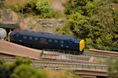 Тепловозный электрический модельный железнодорожный двигатель поезда стоковые изображения