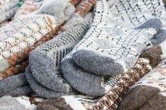 Теплыми носки шерстей сделанные по образцу трикотажными изделиями стоковое изображение