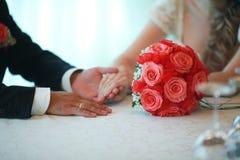 Теплые отношения wedding Стоковые Фотографии RF