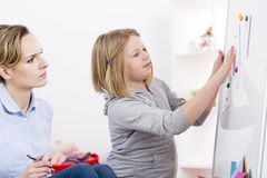 Терапия игры для разлада аутизма стоковая фотография rf