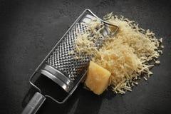 Терка и сыр Стоковые Изображения
