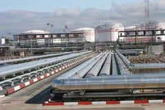 терминал нефтепровода нося Стоковая Фотография