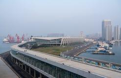 Терминал туристического судна международный Qingdao в Китае стоковые фотографии rf