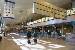 Терминальная зала международного аэропорта Кракова-Balice Иоанна Павел II John Paul II отпраздновала свою пятидесятую годовщину Стоковая Фотография RF