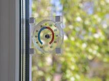 Термометр на окне Стоковые Изображения RF