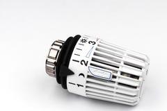 Термостатический клапан радиатора - цены топления Стоковое фото RF