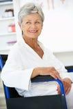 терпеливейшая старшая женщина Стоковое Изображение