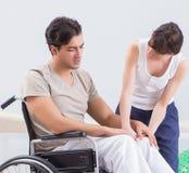 Терпеливый брать в больнице после травмы ушиба стоковое фото