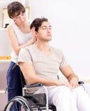 Терпеливый брать в больнице после травмы ушиба стоковые фото