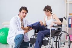 Терпеливый брать в больнице после травмы ушиба Стоковое Изображение