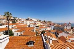 Терракотовые верхние части крыши, Лиссабон, Португалия Стоковая Фотография RF