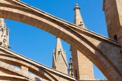 Террасы собора Santa Maria Palma, также известной как Ла Seu Palma, Майорка, Испания стоковые фото