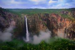 Территория Waterfols AustraliaHoliday в Австралии - национальный парк Campbell порта национальный парк Стоковые Фотографии RF