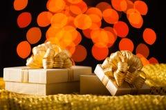 тесемка золота подарка коробки Стоковое Изображение
