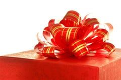 тесемка красного цвета подарка коробки Стоковые Изображения