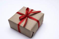 тесемка красного цвета подарка коробки Стоковое Изображение
