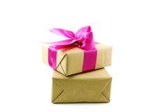 тесемка пинка подарка коробки смычка Стоковые Фотографии RF