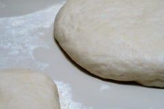 Тесто для пиццы Стоковая Фотография