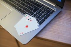 Тетрадь 3 играя карточек Стоковое фото RF
