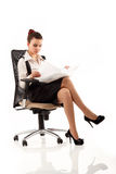 Тетрадь бизнес-леди жизнерадостная работая Стоковые Фото