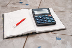 Тетрадь в математике с handwriten тренировка Стоковые Изображения