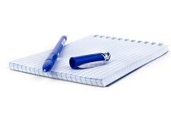 Тетрадь и ручка стоковая фотография rf