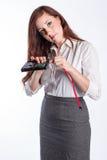 Техник женщины устанавливает жесткий диск Стоковое Фото