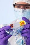 техник образца лаборатории biohazard Стоковые Фото