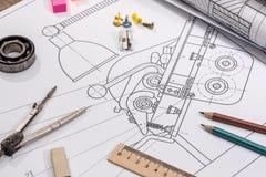 Технический чертеж проекта с инструментами инженерства башня конструкции кирпичей предпосылки Стоковые Фотографии RF