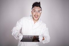 Техническое молодого человека электронное Стоковое Изображение