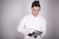 Техническое молодого человека электронное Стоковое Изображение RF