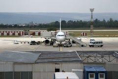 техническое обслуживание самолета стоковое фото