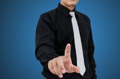 Технология таблетки пользы бизнесмена стоковое изображение
