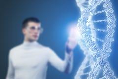 Технолог науки человека в лаборатории стоковые фотографии rf