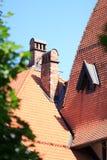 течение учета стародедовское, котор сгорели керамическое вымотало сделанный mimic походит плитки плитки крыши к была древесиной д Стоковое Изображение RF