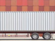 Тележка груза контейнера и стог контейнера Стоковое фото RF