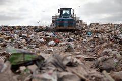 Тележка места захоронения отходов стоковые изображения