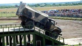 Тележка Ural бушевала лестницы видеоматериал