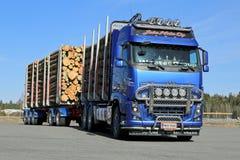 Тележка Volvo FH16 700 внося в журнал Стоковое Изображение