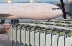 Тележки багажа авиапорта Стоковое Фото