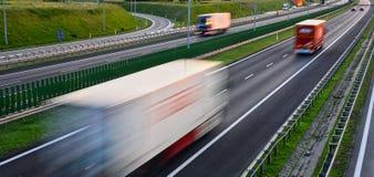 Тележки на шоссе контролировать-доступа 4 майн в Польше Стоковое Фото