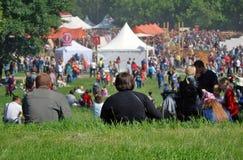Телезрители на исторических временах и временах фестиваля стародедовский rome Стоковое Изображение RF