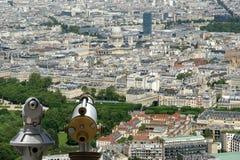 Телезритель телескопа и горизонт города на дневном времени. Париж, Франция. Стоковые Изображения