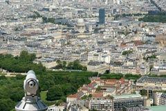 Телезритель телескопа и горизонт города на дневном времени. Париж, Франция. Стоковое Изображение