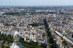 Телезритель телескопа и горизонт города на дневном времени. Париж, Франция Стоковое Изображение RF