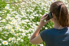 Телефонный звонок женщины стоковое изображение rf